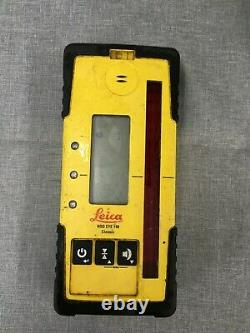 Leica Rugby 810 Rotary Self Leveling Rotating Laser with Remote & Carrying Case