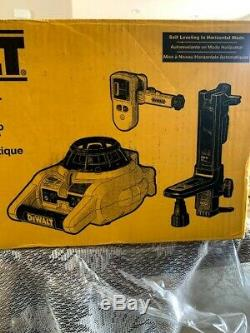 Dewalt 150 Pi. Rouge Autolissants Niveau Laser Rotatif Avec Détecteur Et Clamp, Mur