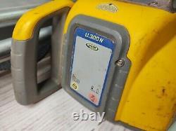 Spectra Ll300n Laser Rotatif À Nivellement Automatique Avec Tripod Et Récepteur