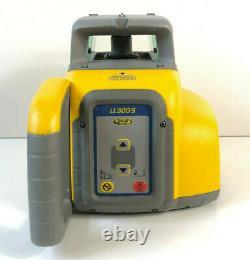 Spectra Precision Ll300s Auto Niveler Le Niveau Laser Rotatif 979 $